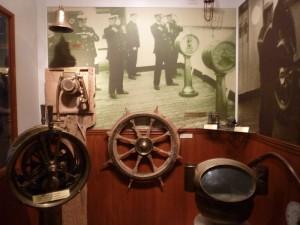 800px-Artefacts_from_the_Empress_of_Ireland_-_site_historique_maritime_de_la_Pointe-au-Pere_-_Rimouski_-_Quebec_-_09-2012