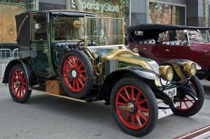 1914_Renault_Type_EF_Landaulet